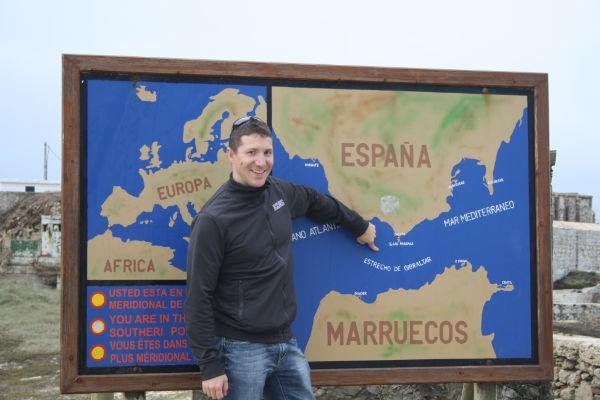 RETO: Cruce a nado del Estreto de Gibraltar y entrenamiento con electroestimulación