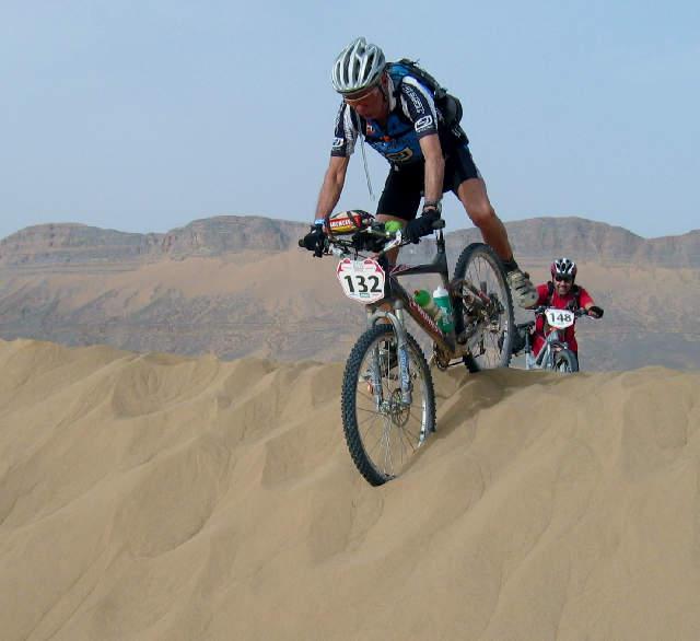 Joan Babot. Ciclista con 70 años