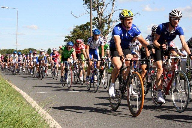 Entrenamiento de ciclismo en invierno Fuente imagen sxc.hu